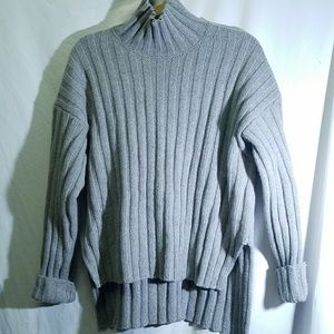 NO LABEL - Gray Sweater